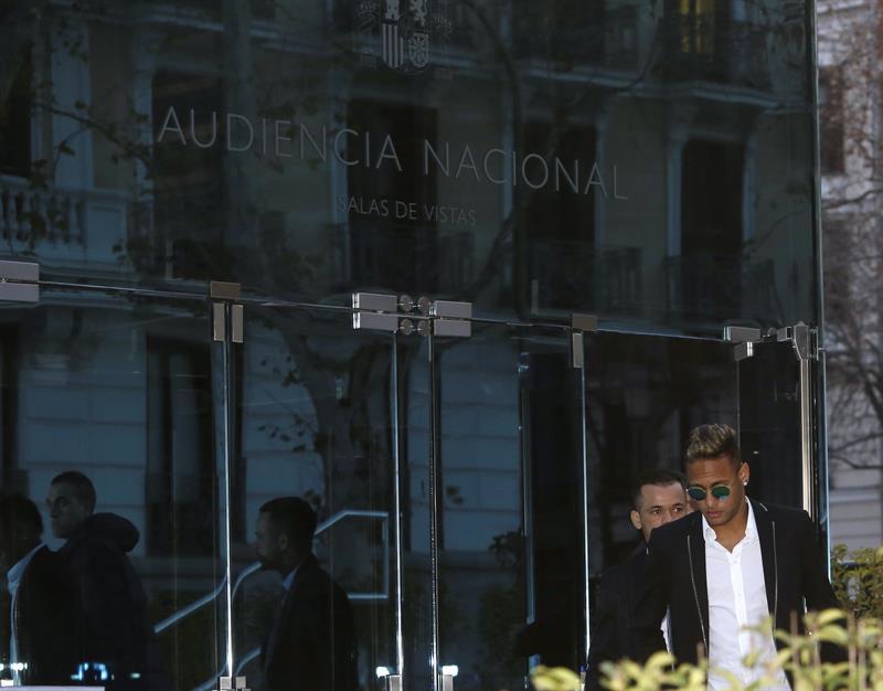 Neymar no ha renovado contrato con el Barcelona. Foto: EFE.
