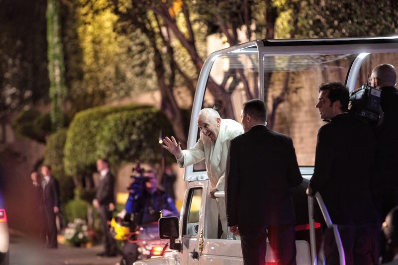 El Papa visita el Palacio Nacional de México (video)