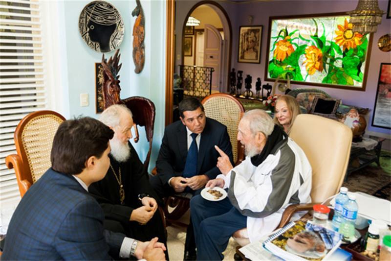 Difunden video de la reunión de Fidel Castro y el patriarca Kiril