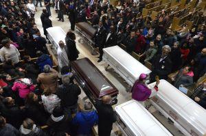Multitudes llegan al funeral de la familia mexicana asesinada en Chicago