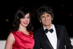 La mujer de Ronnie Wood no viajará con los Rolling Stones por el virus Zika