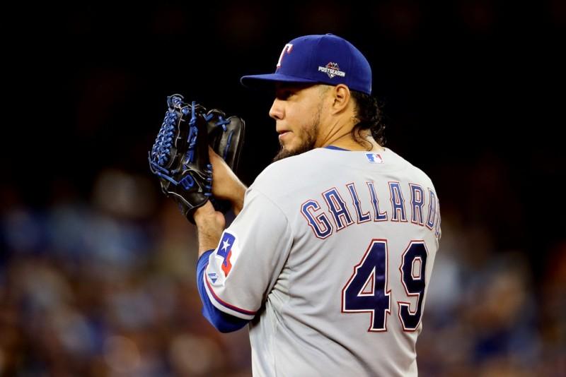 Mexicano Yovani Gallardo le da vida al pitcheo de los Orioles al firmar por tres temporadas