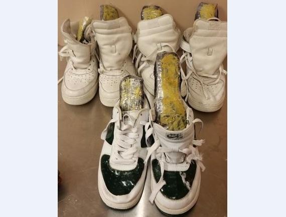 Pasajero traía heroína en zapatos desde República Dominicana
