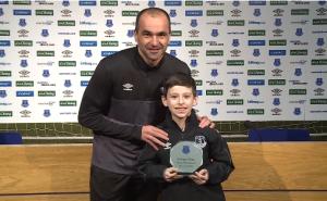 Everton premia gol de niño con parálisis cerebral