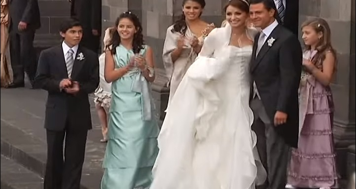 """Exhiben trama """"eclesiástico político"""" de la boda entre Peña Nieto y Angélica Rivera"""