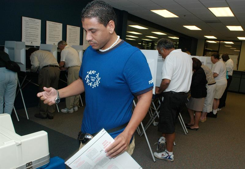 Calculan que sólo la mitad de los latinos votarán en las elecciones