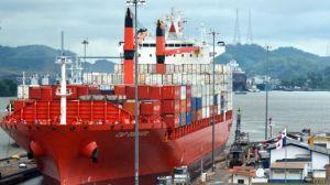 Canal de Panamá restringe el paso de buques debido a la sequía