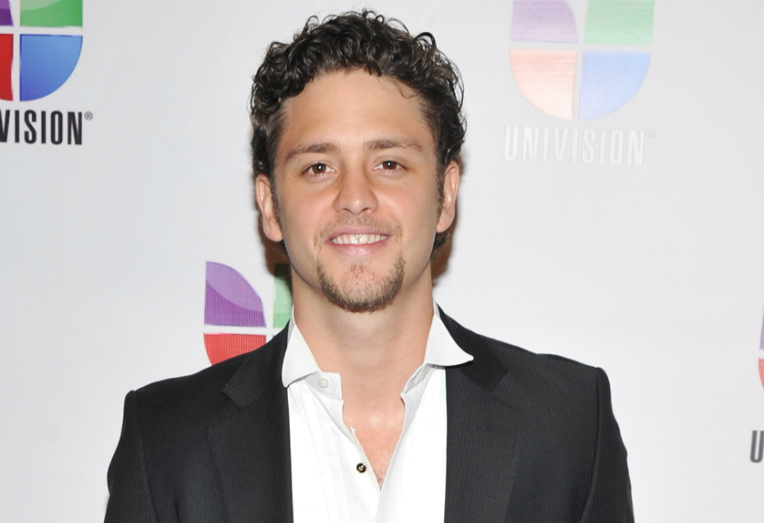 Los fans de 'Rebelde' no perdonan a Christopher Uckermann