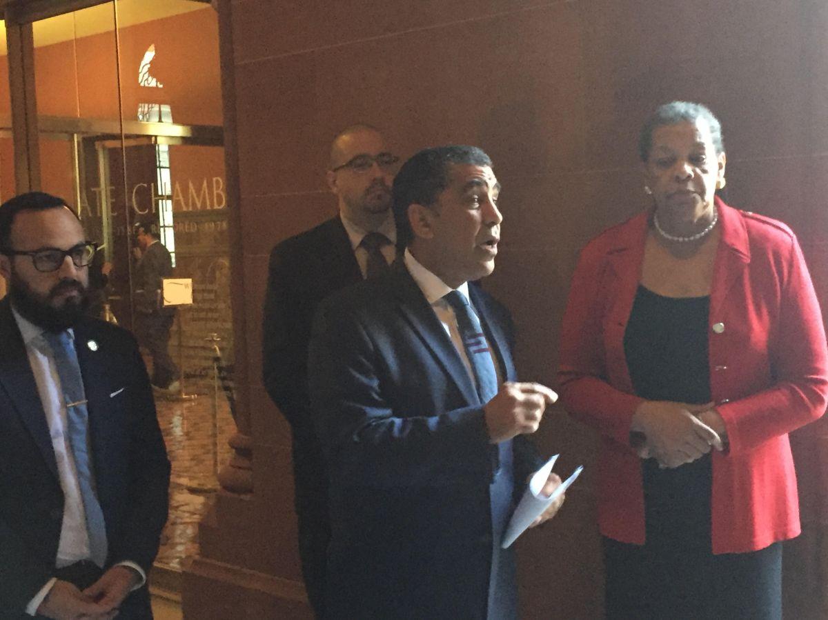 Senador estatal Adriano Espaillat y el Asambleista Francisco Moya