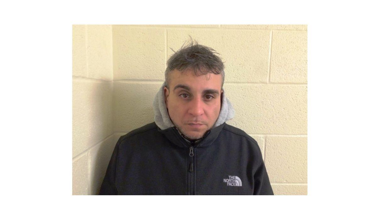 Fernando Estrella de 41 años fue detenido en Vermont