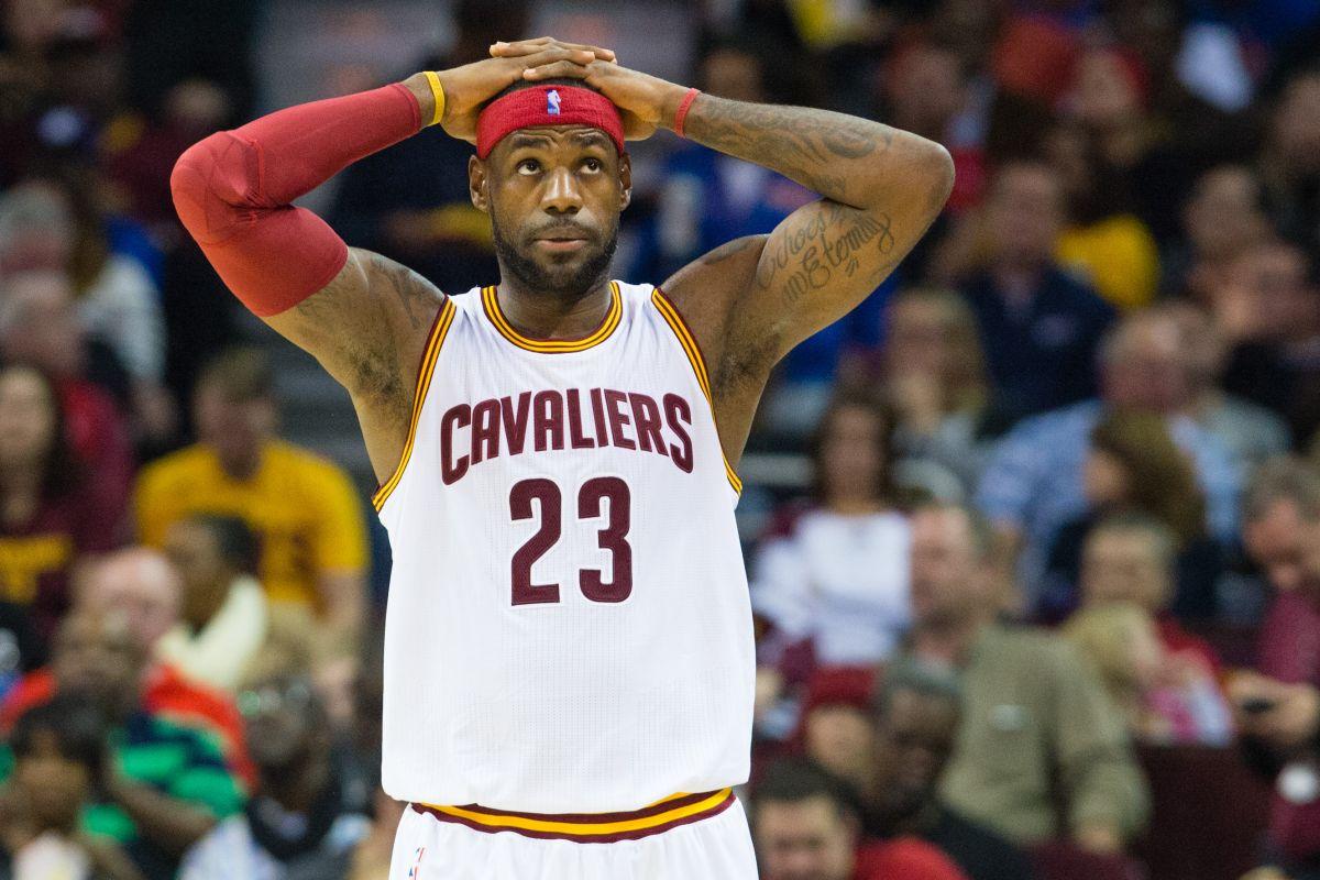 LeBron termina entrevista cuando le preguntan por qué dejó de seguir a los Cavaliers en Twitter