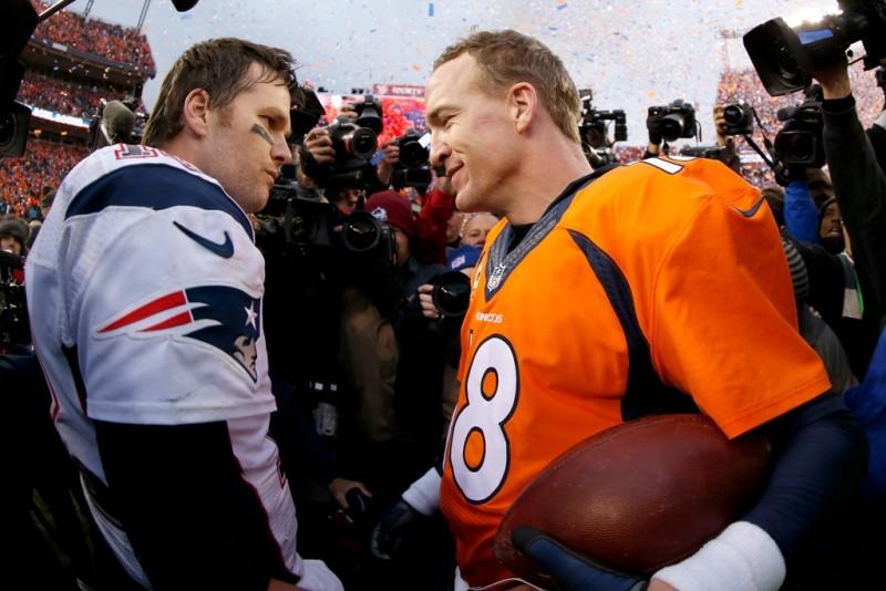 Tom Brady y Peyton Manning dominaron la NFL en la pasada década y media. ¿Es alguien de ellos el más grande quarterback de la historia?