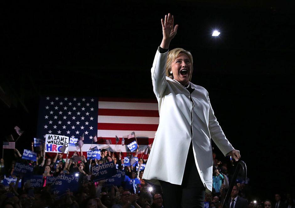 """El """"tsunami"""" de Clinton arrasó en el """"Súper martes"""" pero Sanders mantiene su lucha"""