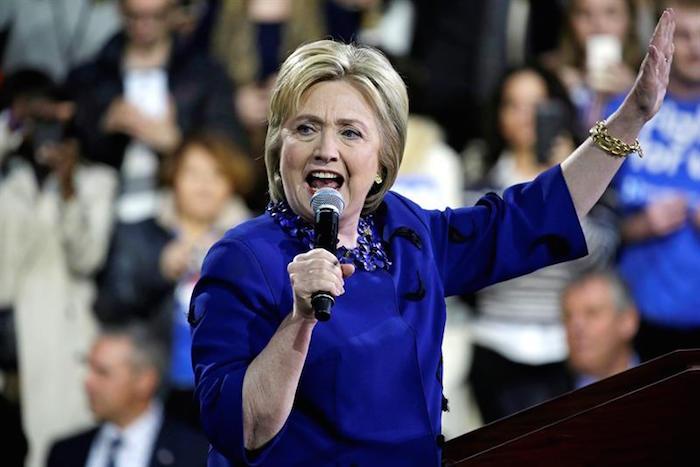 Hillary Clinton revela que dialoga con líderes del mundo para frenar a Donald Trump