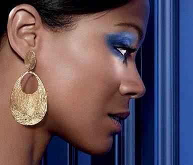 El maquillaje azul será uno de los protagonistas esta primavera./Cortesía L'Oreal.