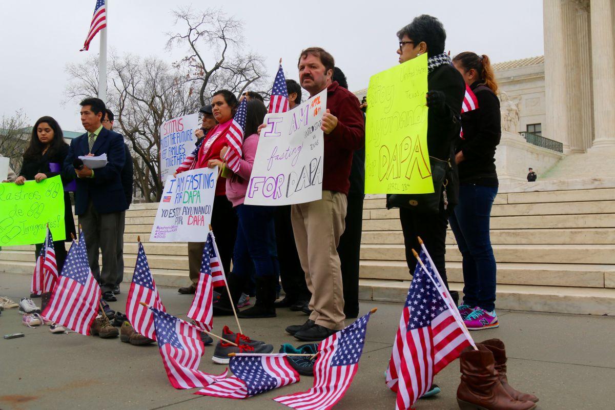 Activistas pro-inmigrantes inician un ayuno nacional para presionar al Tribunal Supremo a que dé luz verde a los alivios migratorios.