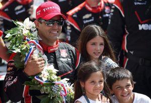 Montoya repite triunfo en primera parada de Indycar
