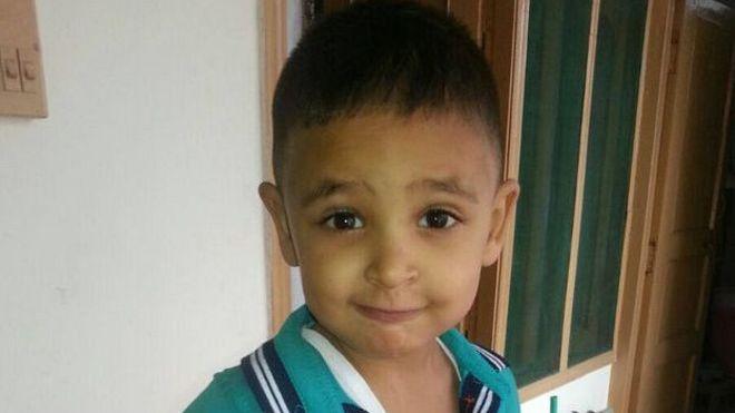 El niño de 4 años que se negó a salir de la cárcel en India