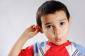 Cómo darse cuenta de que un niño pequeño o bebé tiene una infección de oído