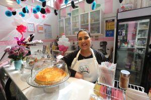 Alcalde aumenta fondos para contratos con negocios de mujeres de las minorías