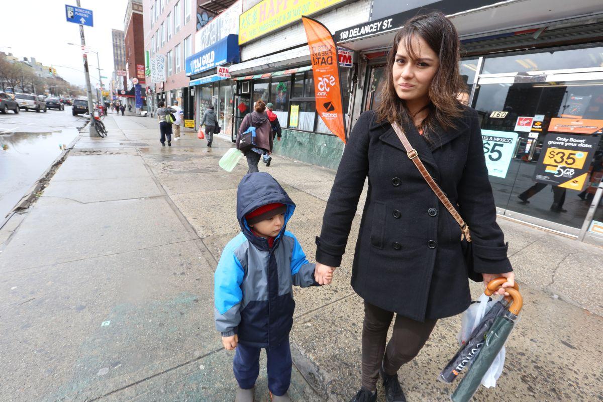 Proponen alivio en pago de impuestos para padres de menores