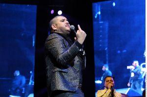 Incendian escenario tras cancelación de concierto de 'El Komander' (video)