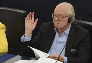 Jean-Marie LePen condenado por desdeñar el Holocausto y odio racial