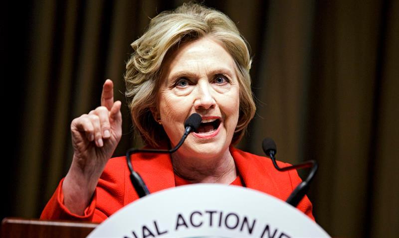 Hillary Clinton promete una oficina dedicada exclusivamente a temas migratorios