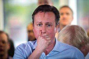 """Cameron admite que poseyó acciones de un fondo """"offshore"""""""