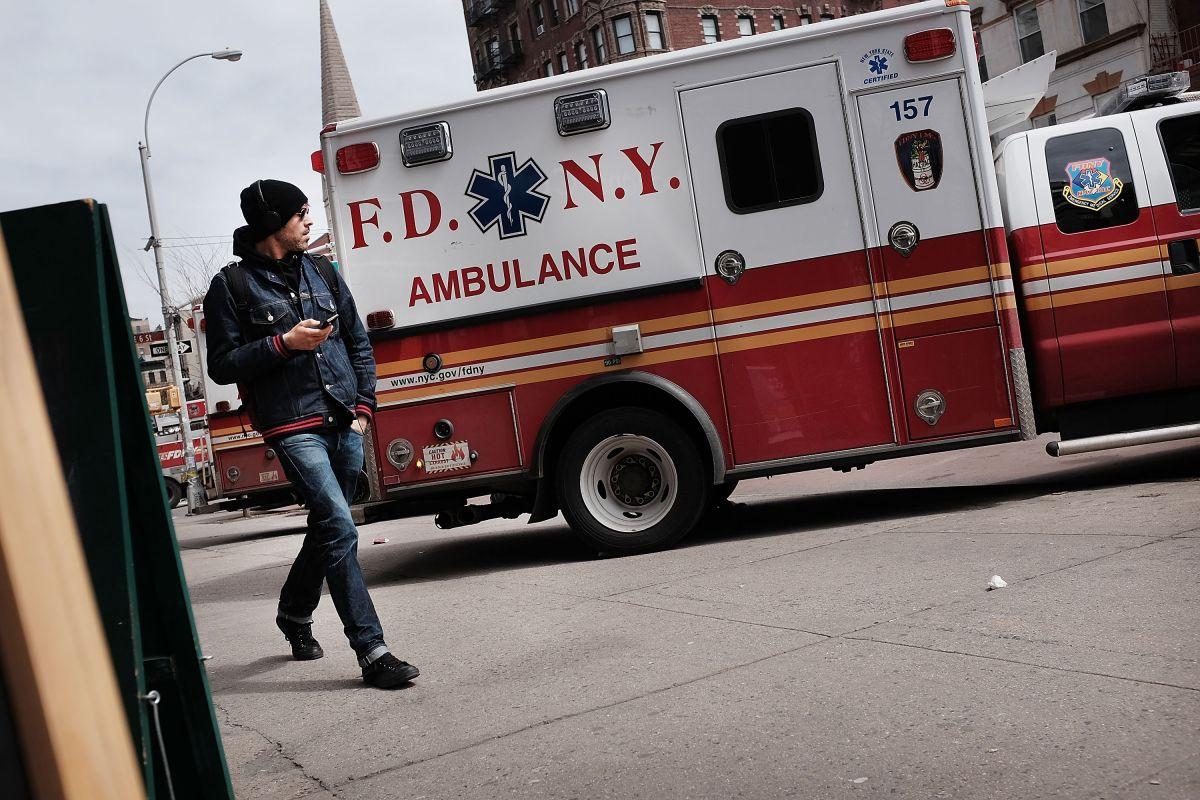 Tres trabajadores heridos mientras hacían reparaciones en teatro de Broadway