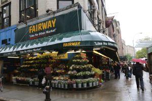Ni el virus los detiene: Amazon quiere comprar cuatro supermercados Fairway en Nueva York y Jersey