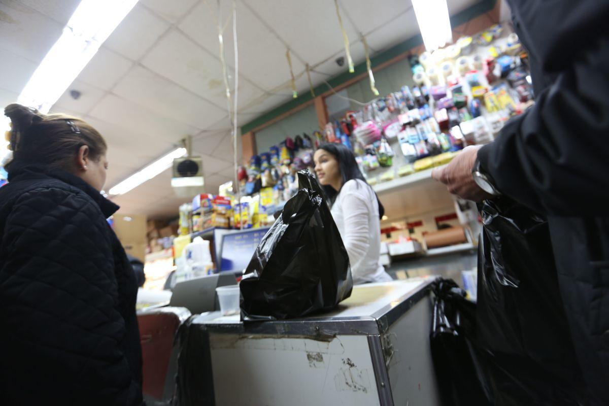 Senado estatal bloquea impuesto a las bolsas plásticas