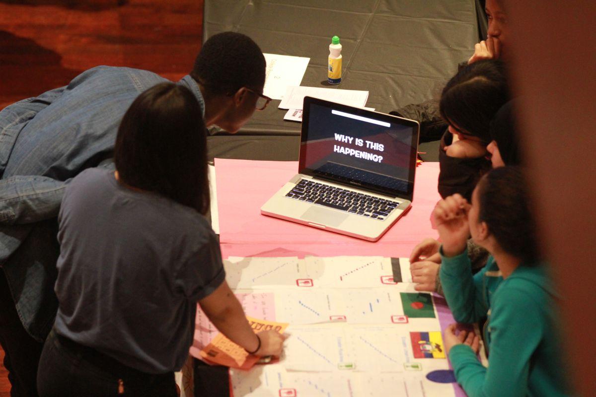 300 mil alumnos pobres no tienen tecnología o ni siquiera una casa para nuevas clases por internet en Nueva York