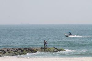 Angustiosa búsqueda: joven desaparecido al chocar barco en Nueva York; marinero borracho arrestado