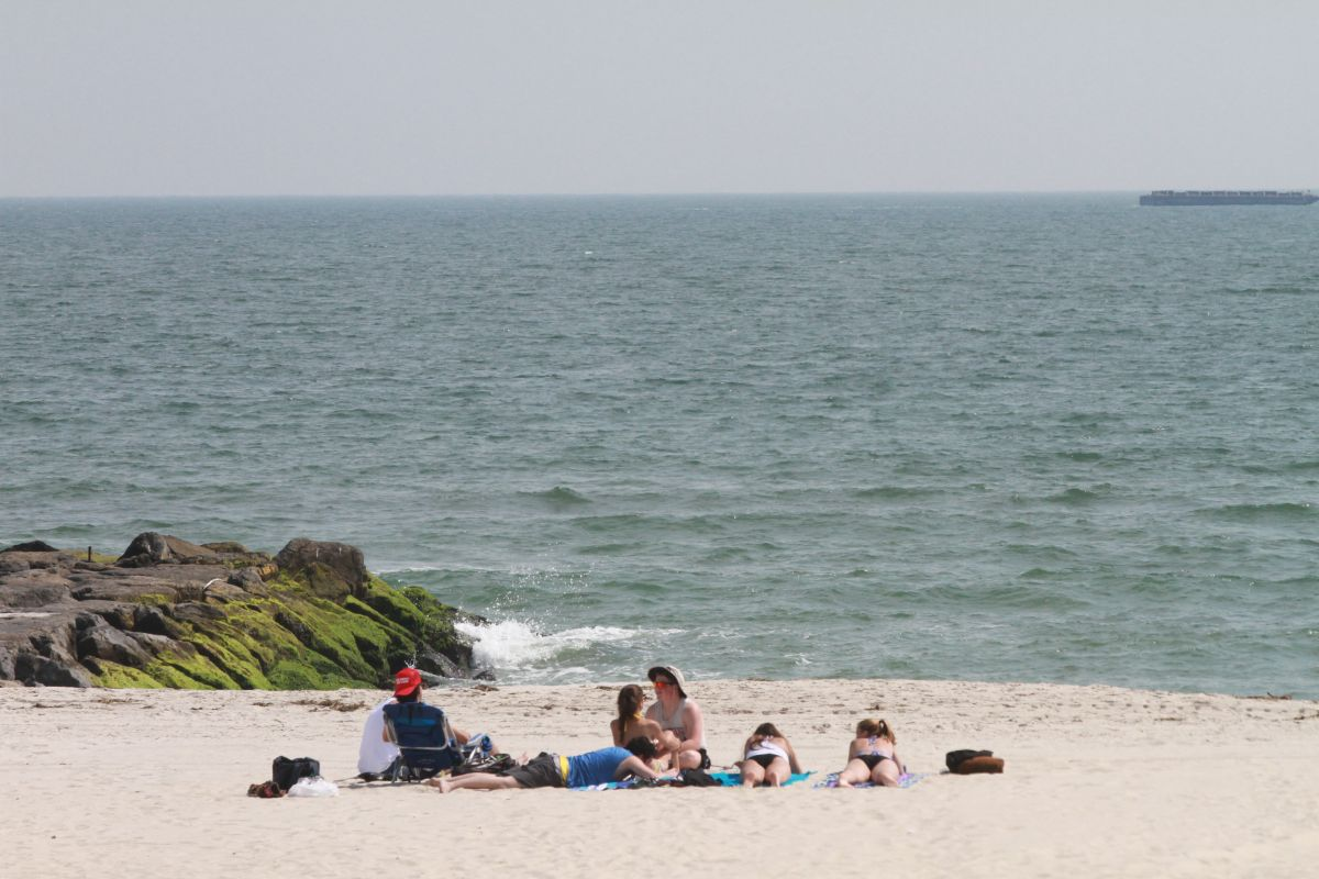 En total la ciudad ofrece 14 millas de balnearios en cuatro condados