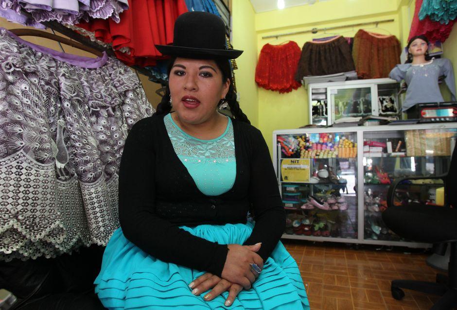 """La elegancia de las """"cholitas"""" bolivianas llega a la Gran Manzana"""