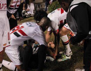 Accidente en la tribuna deja varios aficionados heridos en Brasil, en la Copa Libertadores
