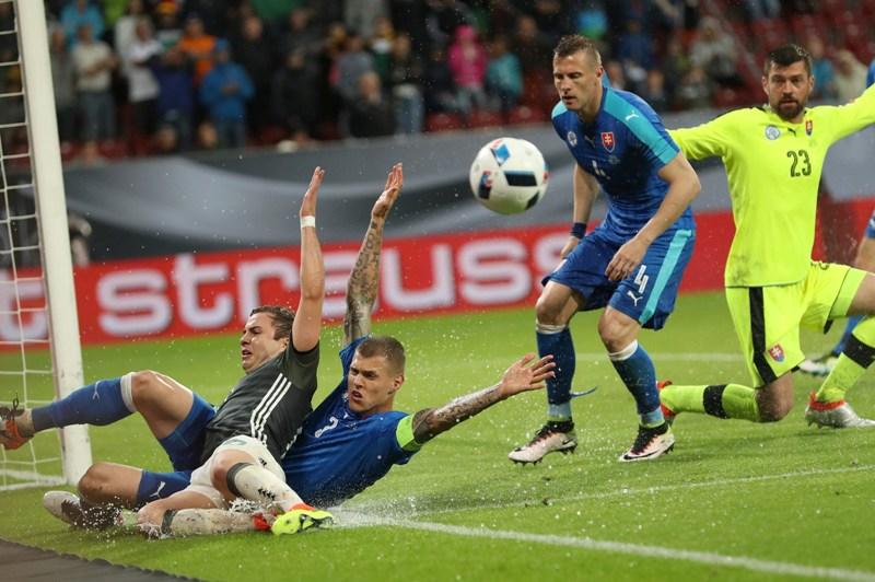 Eslovaquia sorprende a Alemania y Nolito saca la cara por España