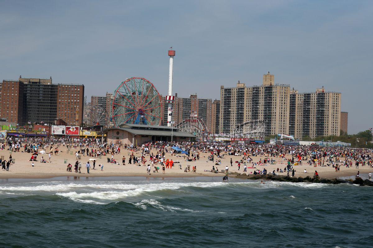 Anuncian la apertura de las ocho playas públicas de NYC para el feriado del 'Memorial Day'