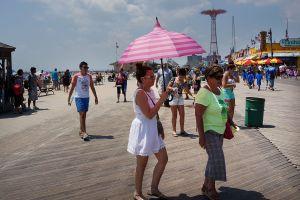 El próximo fin de semana del 'Memorial Day' llevarán la vacunación a las playas de NYC