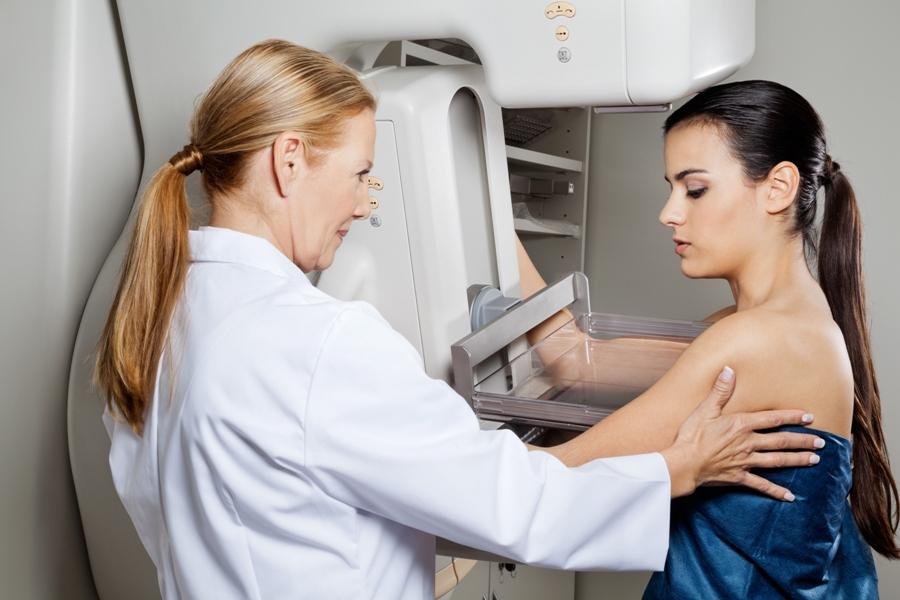 ¿Cuándo debo hacerme una mamografía?