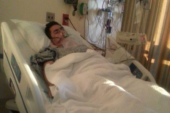 Efraín Guamán se recupera en el hospital tras haber sido apuñalado en el tren