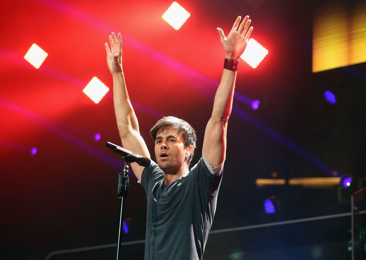 Enrique Iglesias estuvo la semana pasada en Europa, de gira con su 'Sex and Love Tour' y promocionando su nuevo sencillo, 'Duele el corazón'.