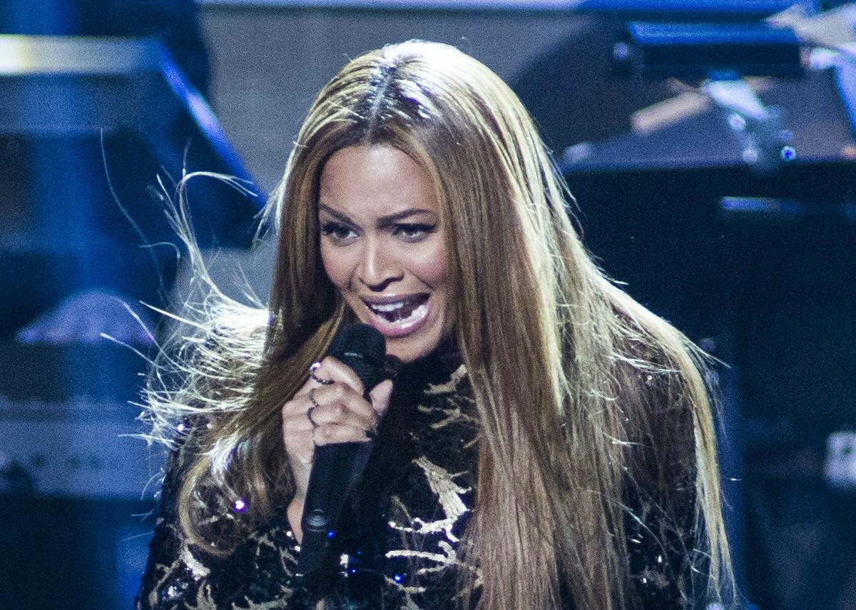 Un grupo de fans de la cantante Beyoncé aseguran que la actual es realmente un clon.