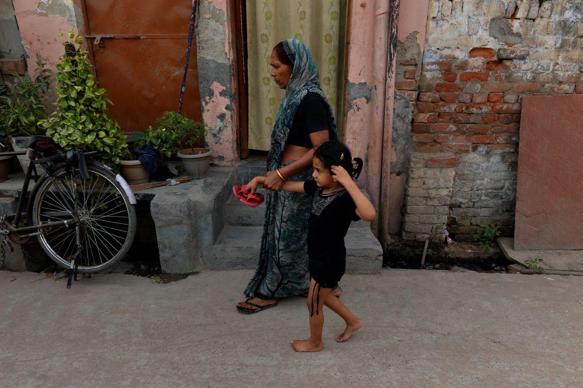 Algunas familias indias prefieren casar a las niñas agredidas con su violador y no ir a la justicia para que el crimen no salga a la luz.