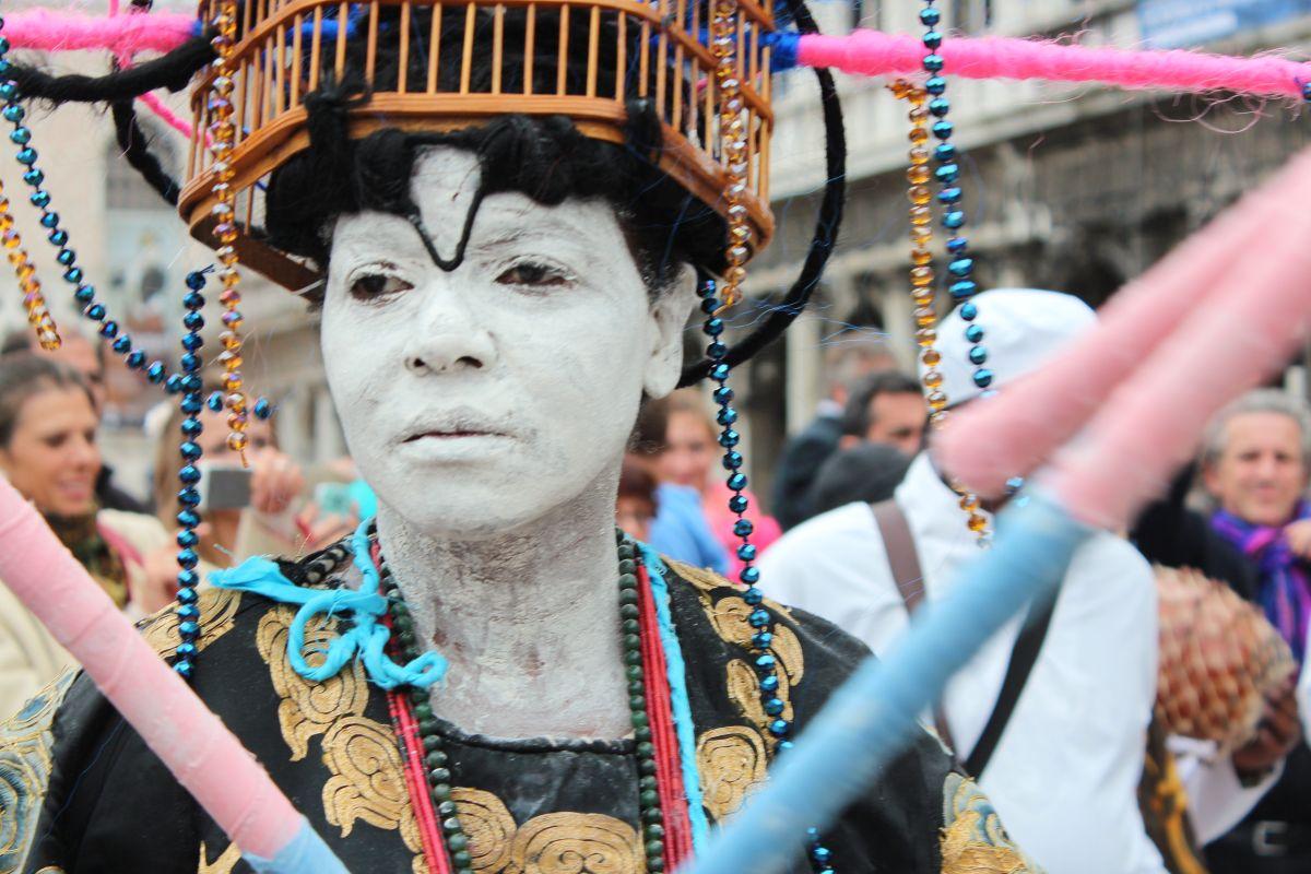 Artista cubana trae al Smithsonian su performance sobre la lucha por la igualdad social