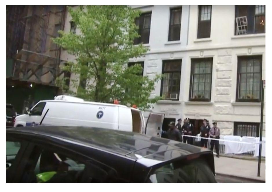 Muere limpiador de ventanas al caer de un tercer piso
