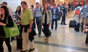 Video de la fila de seguridad del aeropuerto Midway se vuelve viral