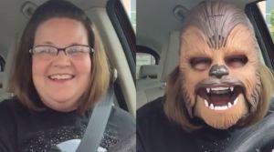 VIDEO: mujer con máscara de Chewbacca rompe récords en Facebook