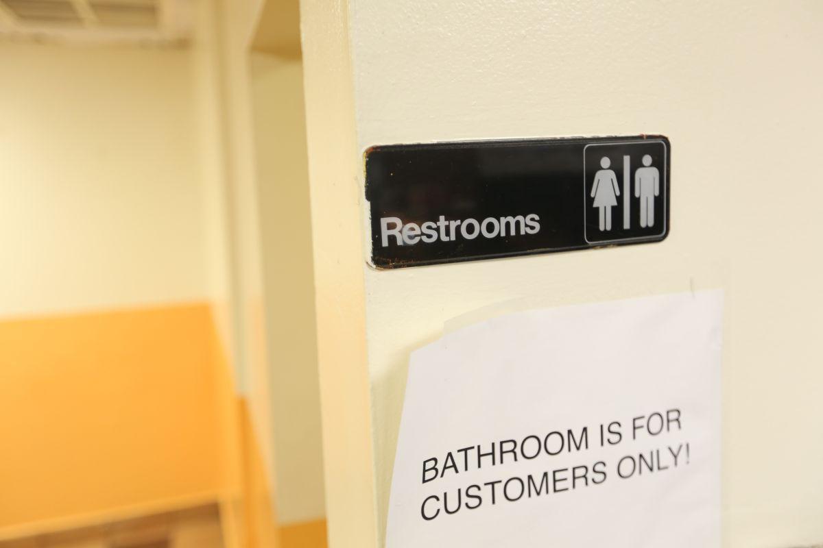 Baños seran unisex en restaurantes. Photo Credito Mariela Lombard/El Diario NY.